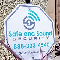 safe and sound security yard sign